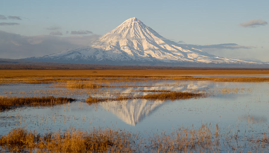 random picture of the Kronotsky Volcano